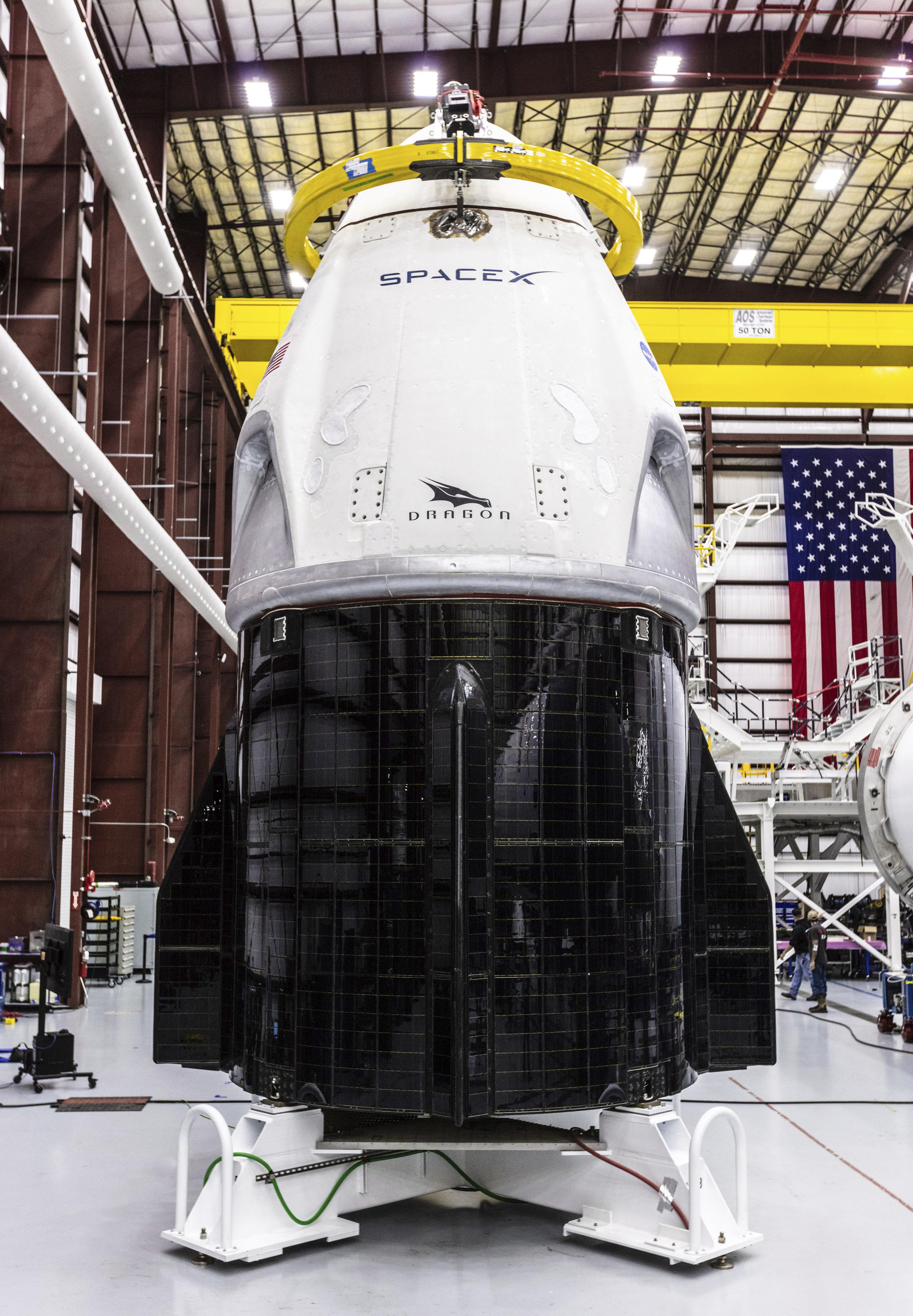 Un mystérieux incident sur la capsule de SpaceX pourrait retarder son premier vol