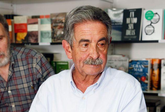 Cachondeo con este detalle del cartel electoral de Miguel Ángel
