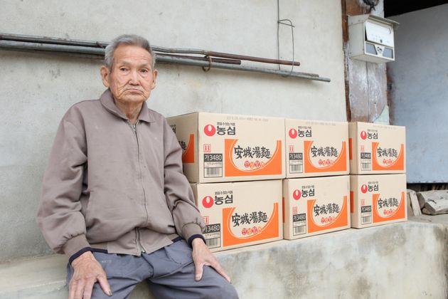 48년째 라면만 먹는 박병구(91세)