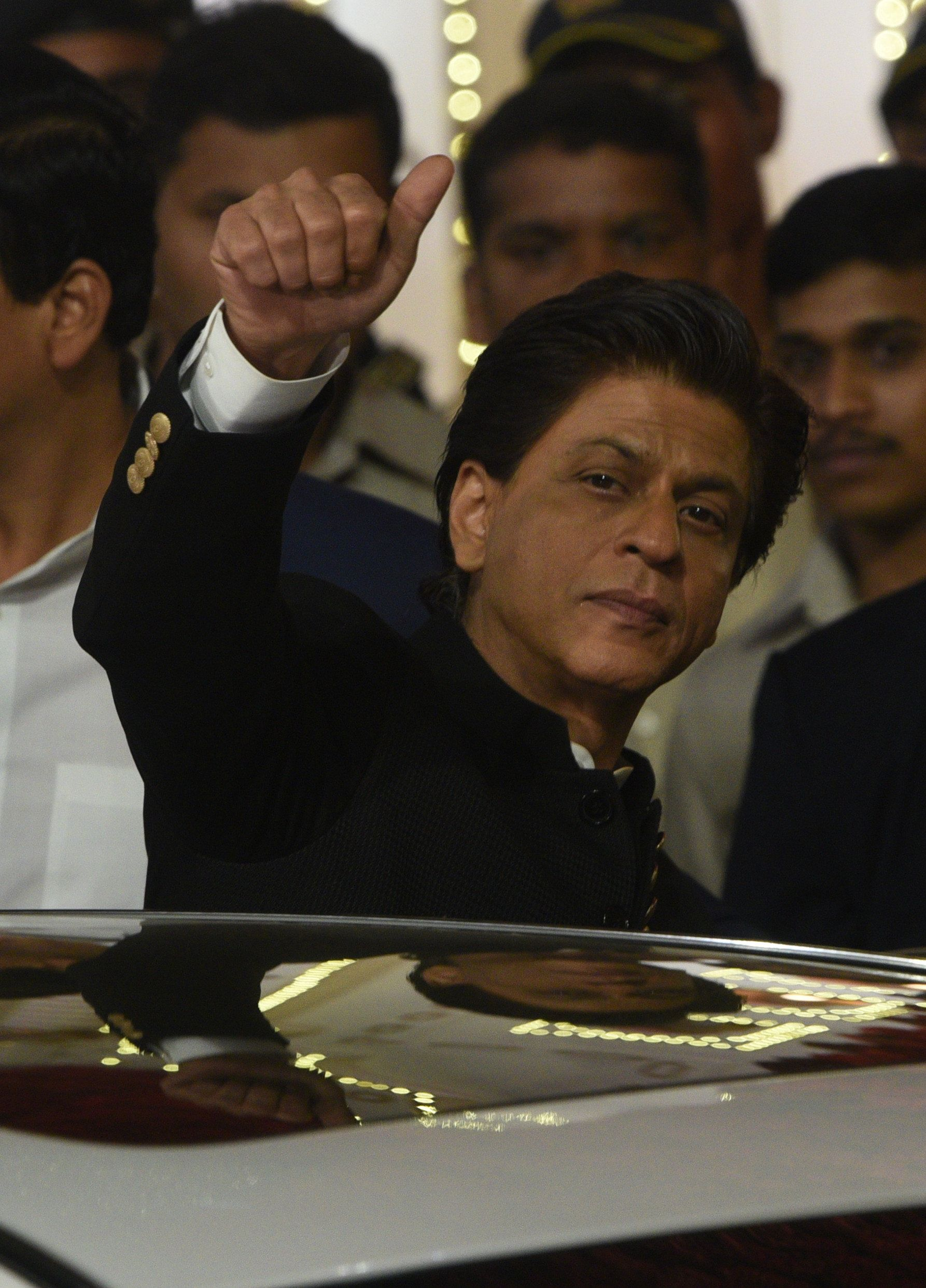 Watch: Shah Rukh Khan Roasting Film Critics At An Awards Show Is Pure