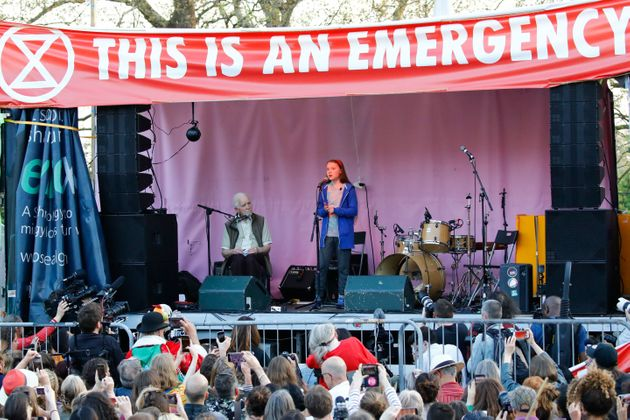 Γκρέτα Θάνμπεργκ στο Λονδίνο: «Ποτέ δεν είναι αργά για να παλέψουμε» για το