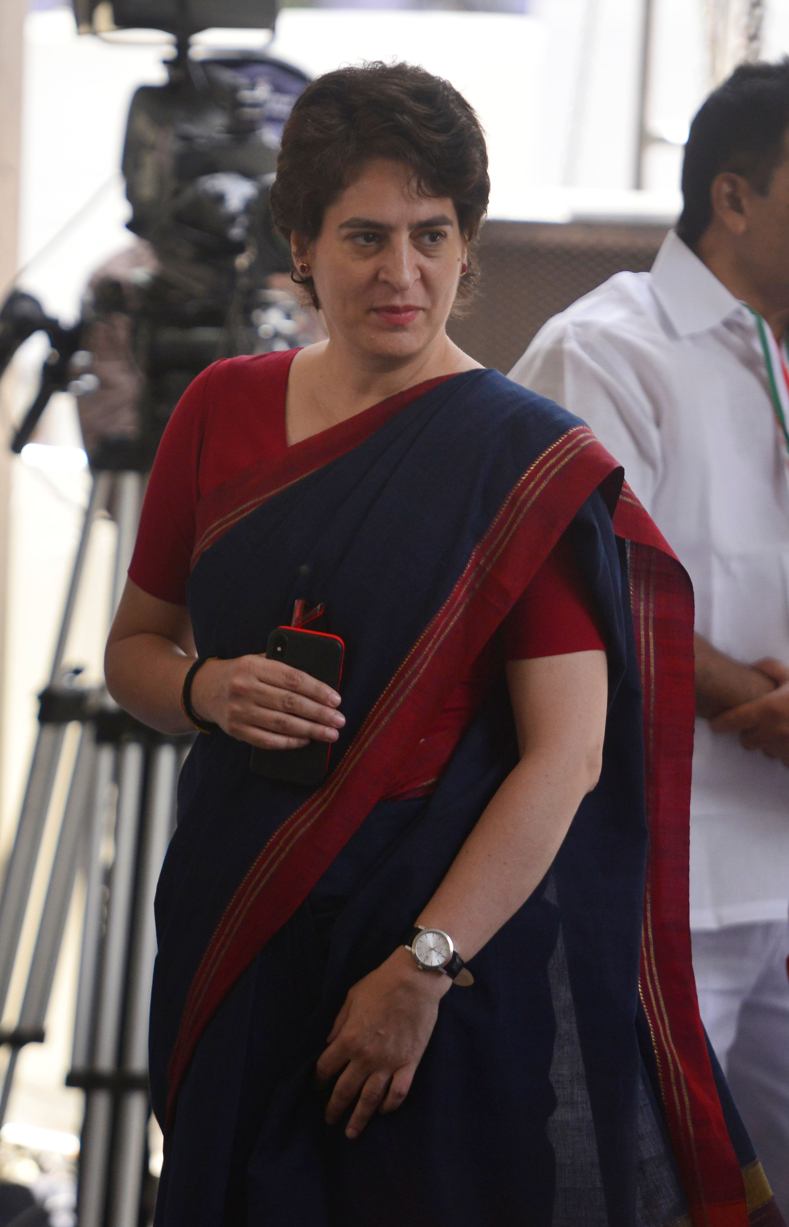 Priyanka Gandhi Accuses Smriti Irani Of Distributing Shoes To Insult Rahul