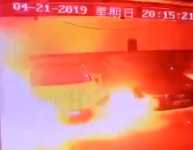 Κίνα: Η στιγμή που αυτοκίνητο της Tesla εκρήγνυται σε