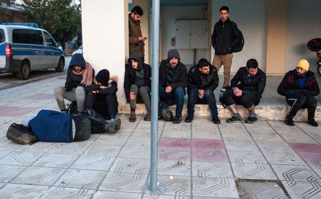 Ορεστιάδα: Πρόσφυγες χτυπούσαν κουδούνια σε σπίτια αστυνομικών της