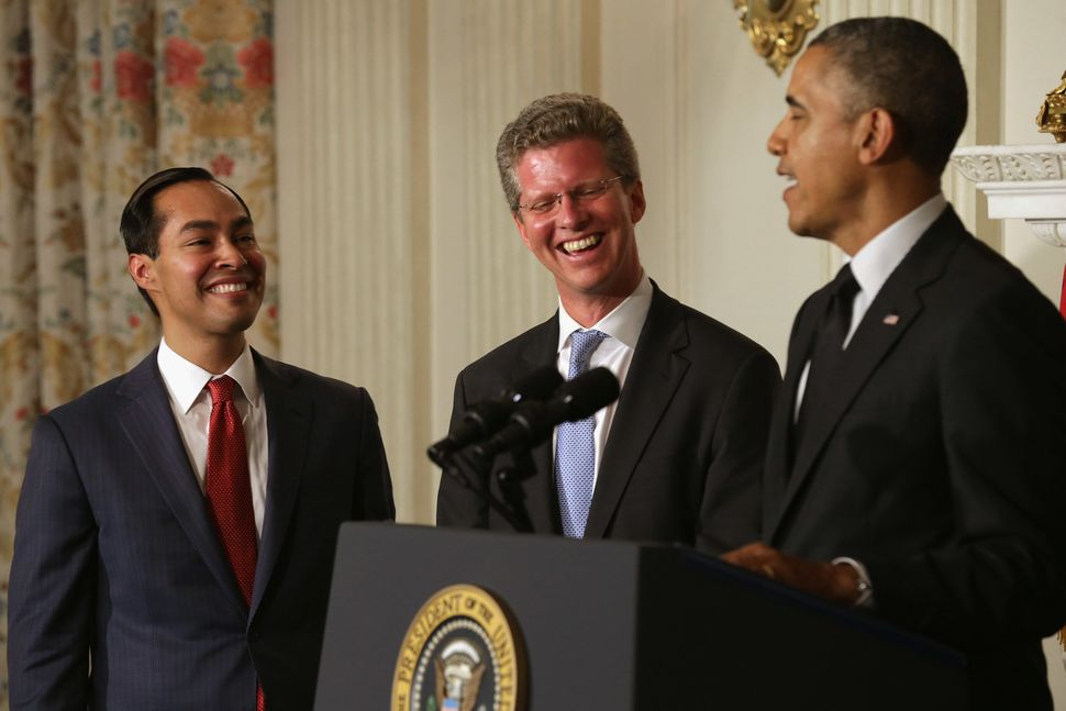 President Barack Obama, right, announces Castro's appointment as HUD secretary alongside Castro, left, and outgoing HUD Secre