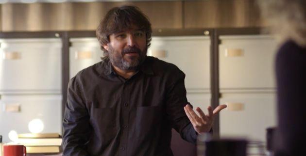 El tuit de Jordi Évole tras el gesto de Rivera en pleno debate de TVE: todo un éxito en 30