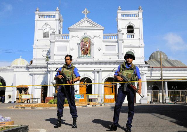 スリランカ爆破事件で非常事態宣言 国際テロ組織関与か
