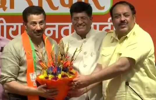 Sunny Deol Joins BJP, May Contest Election From