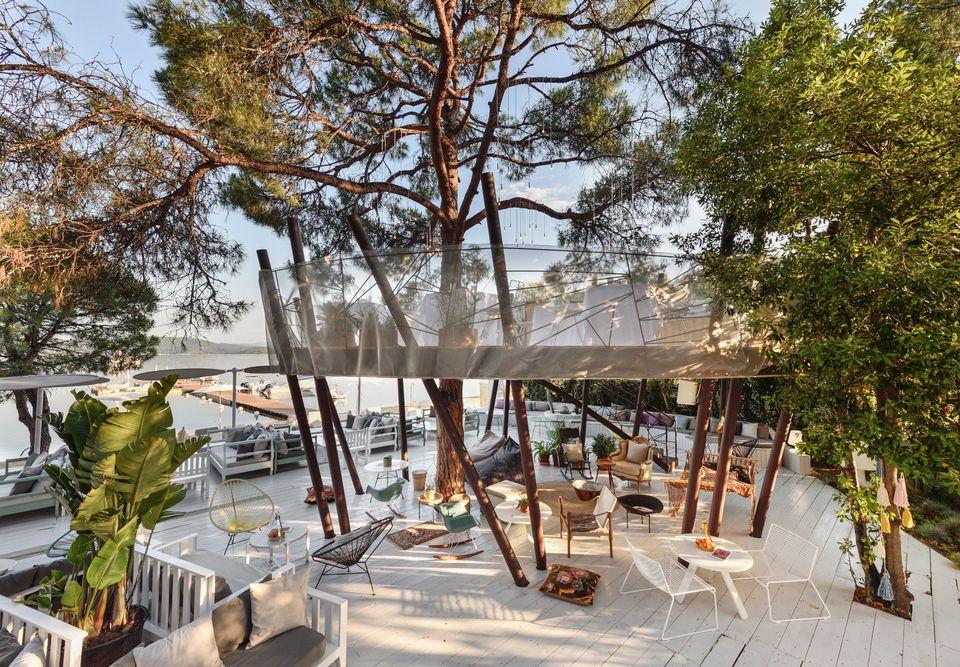 Ο σχεδιασμός των ξενοδοχείων αλλιώς: Πως είναι να ξεφεύγεις από τον στείρο κτηριακό σχεδιασμό και να...