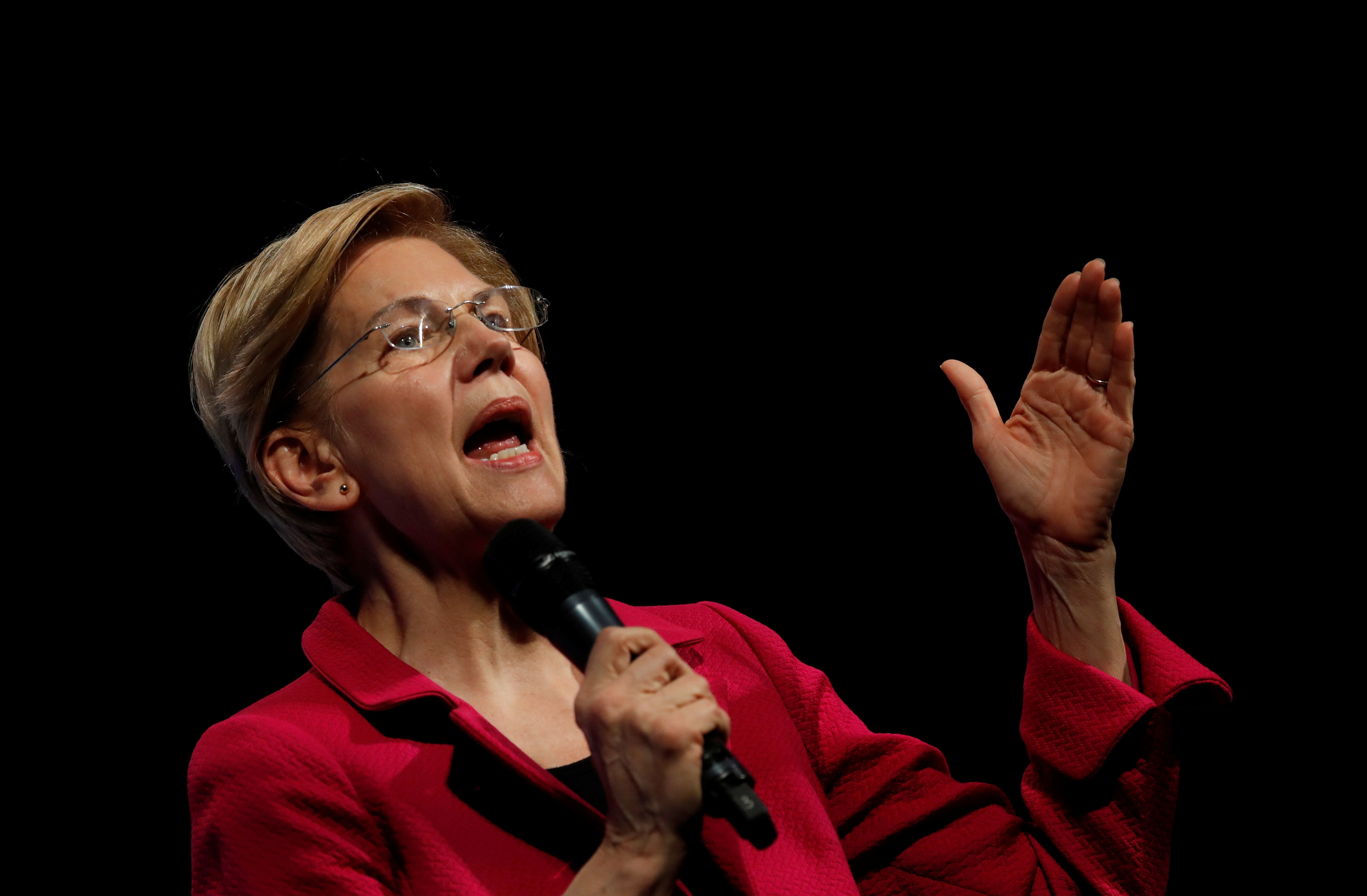 U.S. 2020 Democratic presidential candidate and Senator Elizabeth Warren participates in a moderated discussion at the We the People Summit in Washington, U.S., April 1, 2019. REUTERS/Carlos Barria
