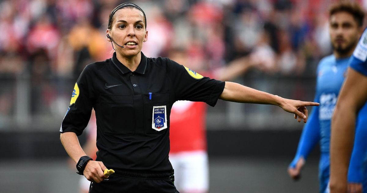Une femme désignée arbitre centrale d'un match de L1, une première