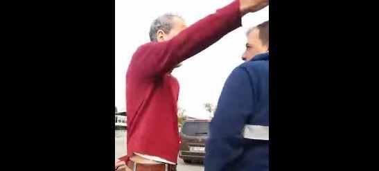 El escrache a Willy Toledo que acaba en una monumental pelea: a punto de llegar a las
