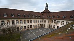 Le directeur de l'ENA défend son école, menacée de suppression, dans une