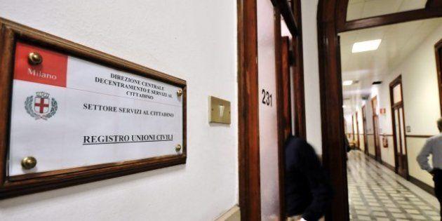 Milano, registro unioni civili al via: il primo è Paolo