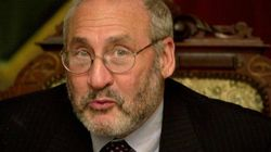 Joseph Stiglitz: fuori dalla crisi senza l'euroe meno potere alle banche. La ricetta del Premio