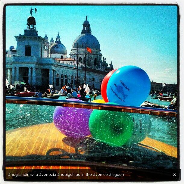 Venezia non è una cartolina.