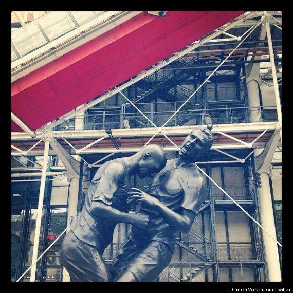 Zinedine Zindane e Marco Materazzi: la testata è una statua al Pompidou di Parigi (FOTO) (VIDEO)