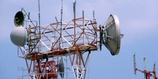 Telecom conferma i contatti con 3 Italia per una possibile integrazione, il titolo vola in