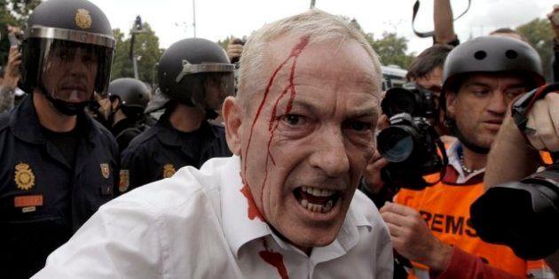 Spagna: Almodóvar avvia la rivolta degli intellettuali contro il governo