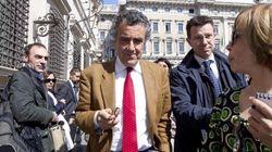 All'ombra della crisi istituzionale, si definisce la prossima sfida congressuale nel Pd: Renzi vs Barca. Sel nella