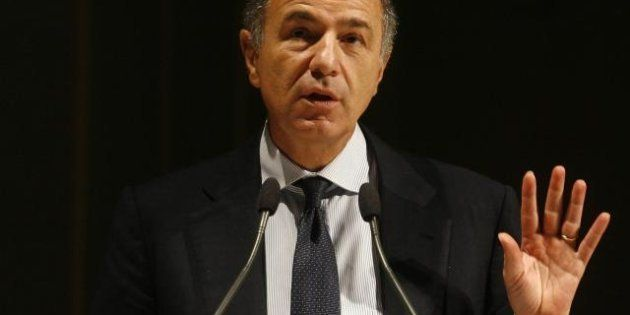 Il ministro Passera: l'Italia non è più in mezzo al