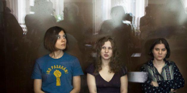 Pussy Riot, rinviato al 10 ottobre il processo di appello per le tre cantanti anti Putin condannate ad