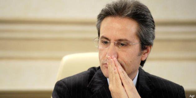 Regione Campania, rimborsi ai consiglieri: 53 indagati per