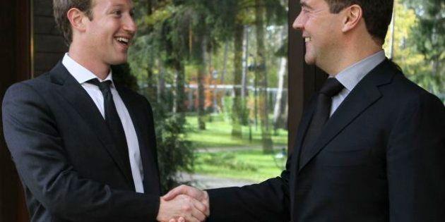Mark Zuckerberg incontra Dmitri Medvedev. Il co-fondatore di Facebook in Russia a caccia di cervelli