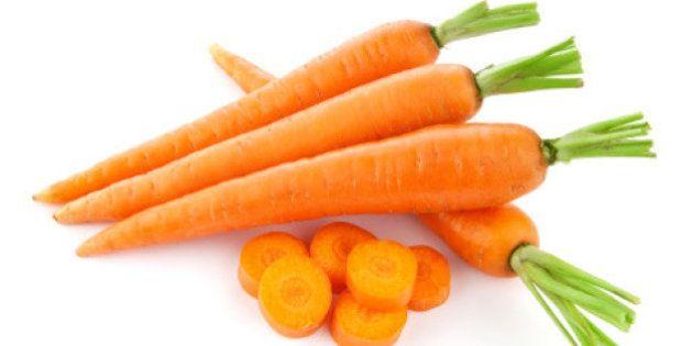 Dieta a colori, carote, rucola, patate: 10 alimenti per vivere meglio