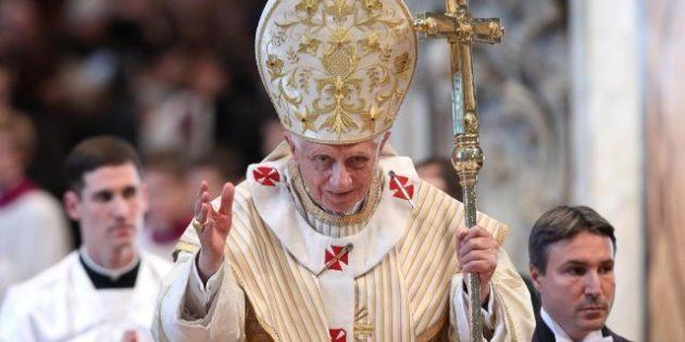 Vaticano, il papa contro la