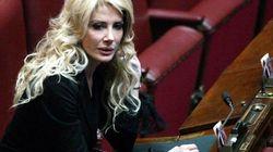Tutti i treni delle sorelle Carlucci: una si dimette da sindaco, l'altra inaugura FrecciaRosa