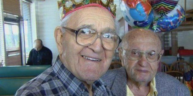 Joseph Katz e Al Spiegal, migliori amici da 91 anni, festeggiano insieme il loro centenario