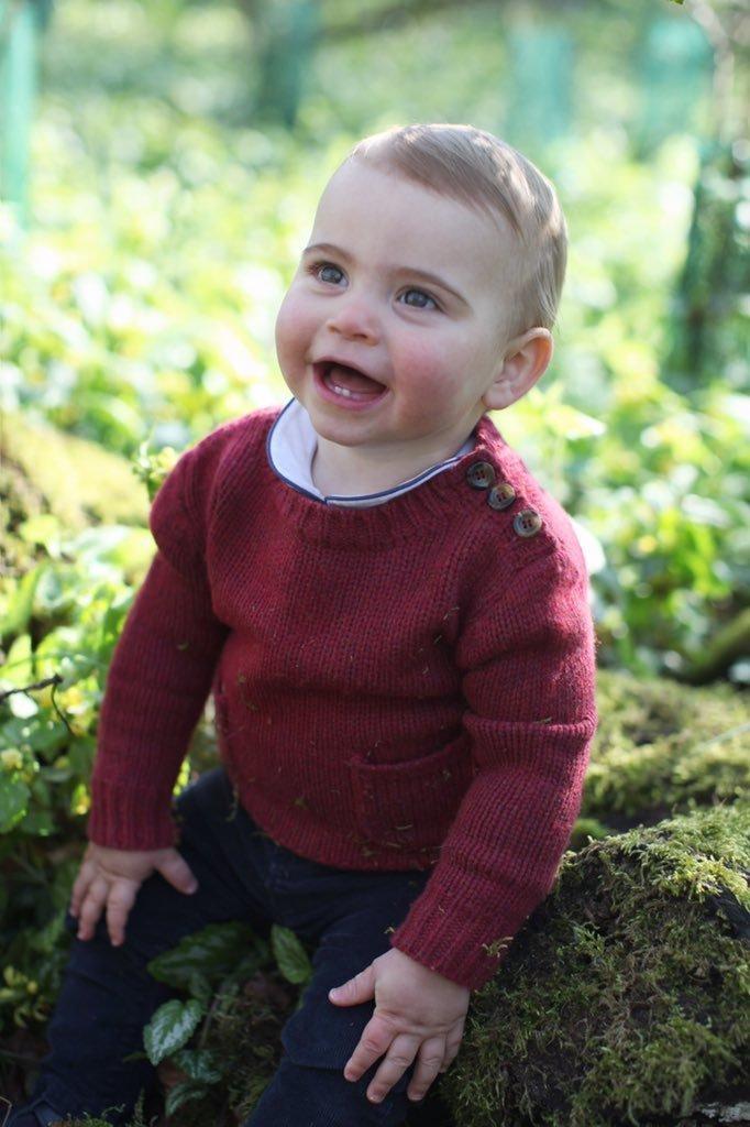 ルイ王子が、生まれて初めての誕生日。1歳を迎える天使の姿をみんな見て
