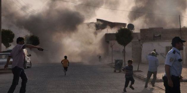 Turchia bombarda obiettivi in Siria. Rappresaglia dopo l'attacco in territorio turco ad Akcakale. Vertice...