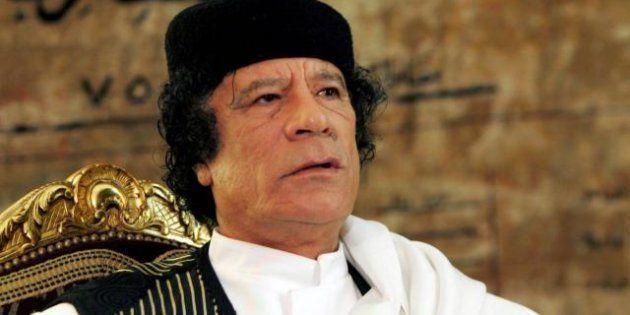 Sesso con first ladies e ministre, così Gheddafi teneva in pugno i leader africani