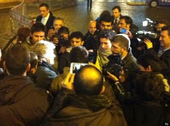 Elezioni 2013, Beppe Grillo apre ai neofascisti di CasaPound: