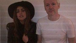 Lady Gaga visita Julian Assange: trovata pubblicitaria o una nuova