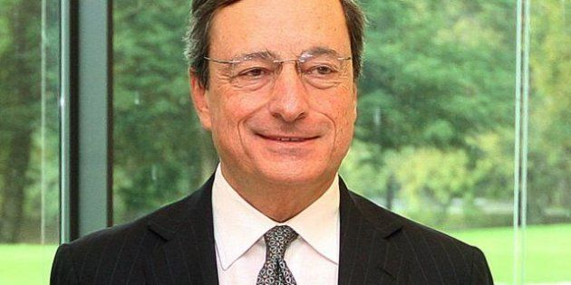 Mario Draghi: prestare denaro e attivare le politiche anti crisi. Sorveglianza bancaria Ue entro