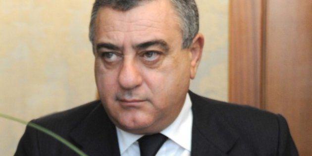 Presidenti di provincia e sindaci lasciano le poltrone in vista del Parlamento. Da Cesaro (Napoli) a...