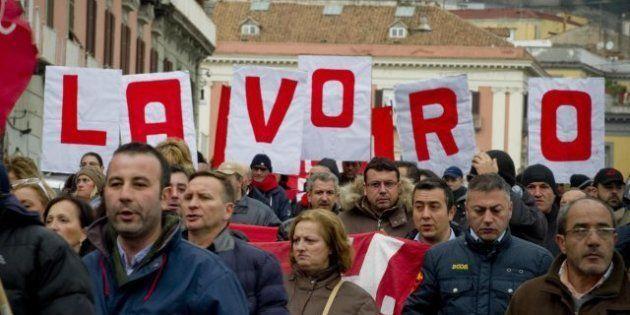 Elezioni 2013, alla politica 6 italiani su 10 chiedono di affrontare l'emergenza lavoro. Le tasse al...