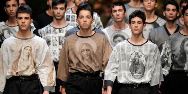 Moda, la sfilata di Dolce e Gabbana con Santi e Madonne sulla