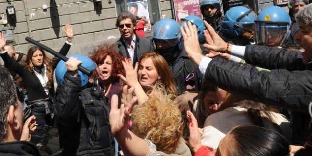 Napoli: manifestazione contro la Ztl, nella protesta pacifica dei commercianti si infiltra la manovalanza...
