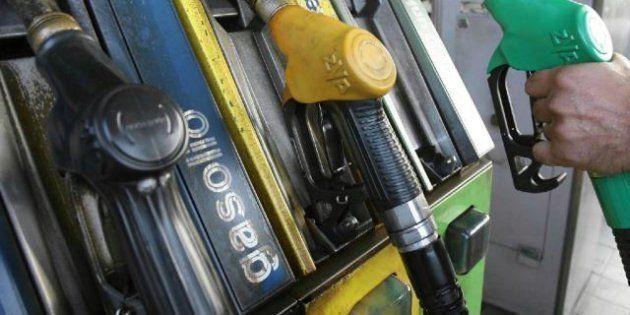 Aumento Iva: benzina e diesel costeranno agli italiani 600 milioni di euro in