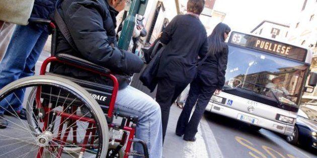Il governo taglia l'assistenza ai disabili, associazioni in rivolta. Ma lo Stato risparmia solo 100 milioni...