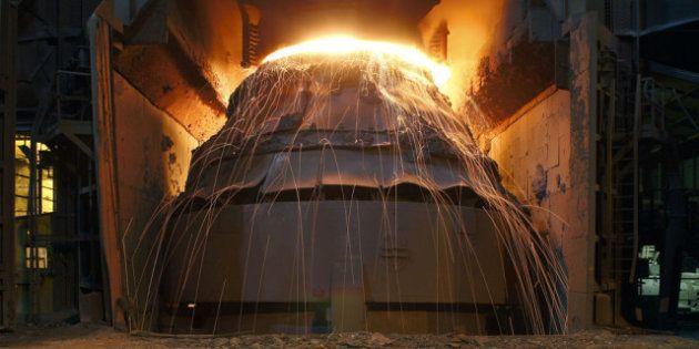 Ilva di Taranto, stavolta il forno lo spegne l'azienda. Fermato per i lavori dell'Aia il primo