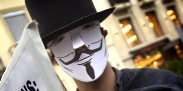 Anonymous lascia Wikileaks: