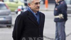 Dopo la tregua tra Monti e Bersani, D'Alema fa il rompighiaccio con Casini:
