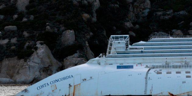 Costa Concordia: Schettino chiama in causa il timoniere, ma il gip respinge la richiesta
