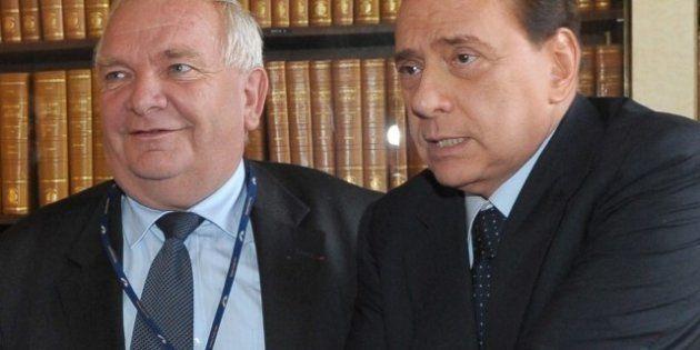 Il piano del Ppe per scaricare Silvio Berlusconi dopo le elezioni e dare via ad un nuovo partito in nome...