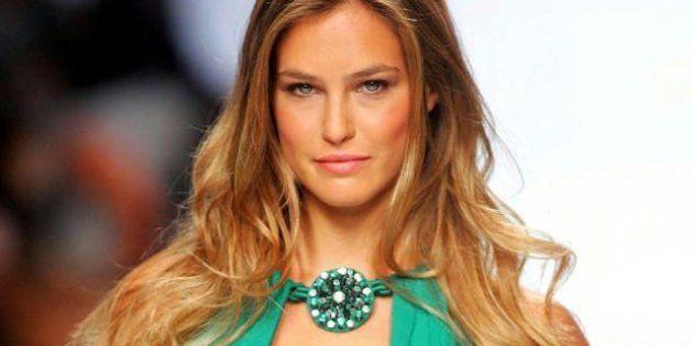 La top model Bar Rafaeli reclutata dal governo siraeliano: presenterà le